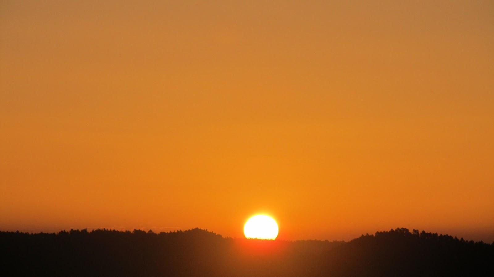 Sunrise%20in%20he%20desert
